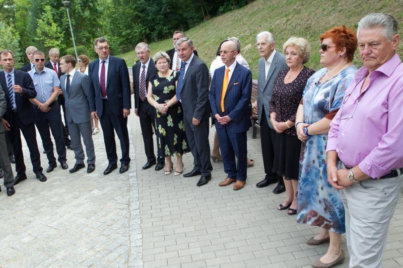 Vilniaus kapinėse pagerbtas A. M. Brazausko atminimas