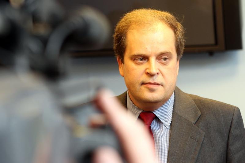 Už teisėjo R. Skirtuno papirkimą advokatui - 29,2 tūkst. litų bauda