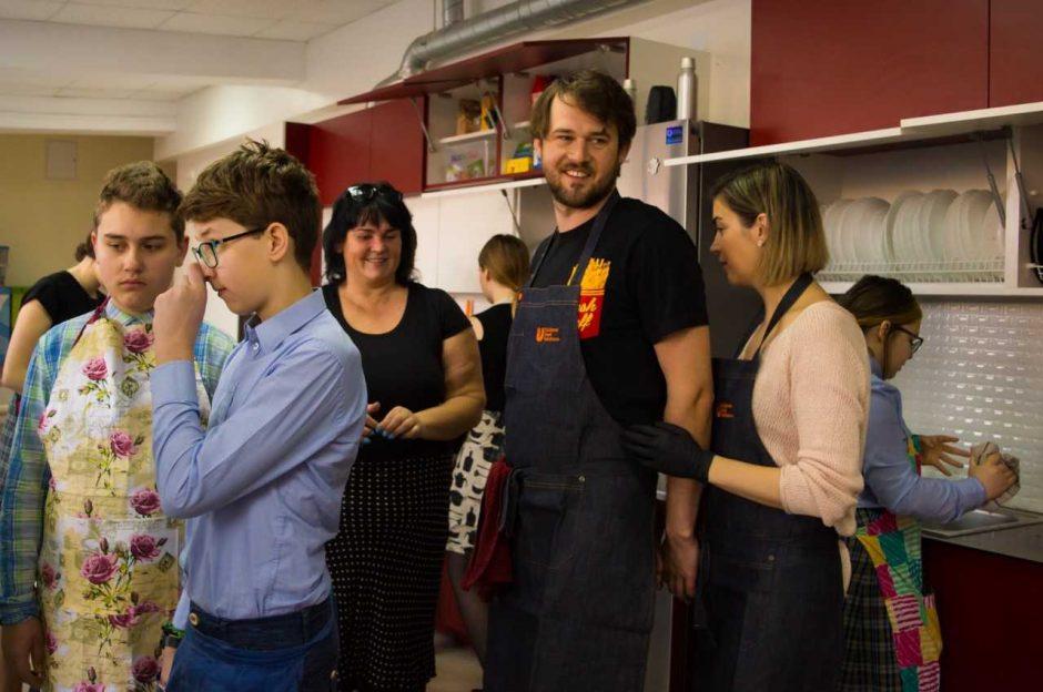 Prezidento Valdo Adamkaus gimnazijoje – sveikų patiekalų gaminimo konkursas