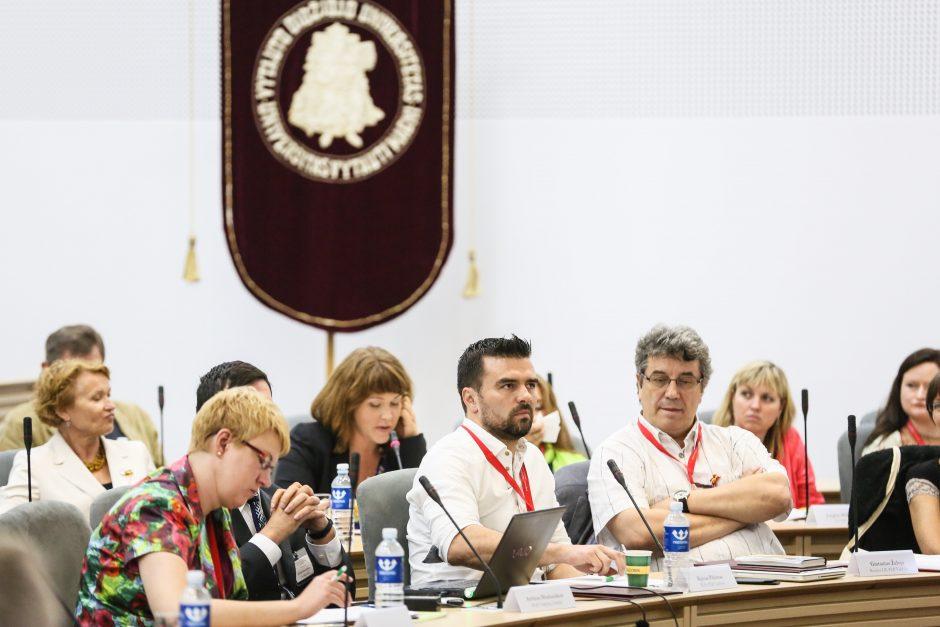 Pasaulio lietuvių bendruomenių vadovai diskutuoja Kaune