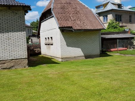 Skelbimas - Parduodamas namas su 6,02a sklypu Perkūno al. Žaliakalnyje