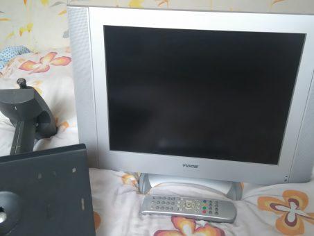Skelbimas - LCD TV VIDO 51cm tvarkingas, 50e laikiklis, stovas, pultas, daug priva