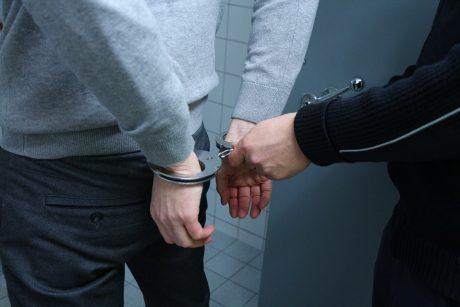 Dar du įtariamieji Telšių korupcijos byloje paleisti į laisvę