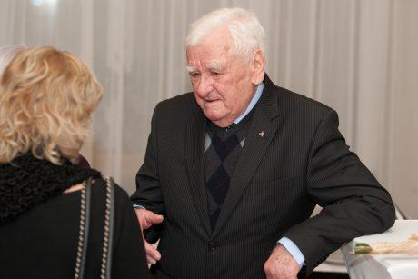 Mirė ilgametis Nacionalinio dramos teatro aktorius V. Dumšaitis