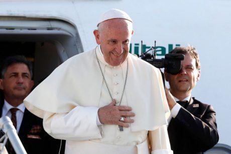 """Vaizdo rezultatas pagal užklausą """"Norintieji pamatyti popiežių iš arčiau, turi registruotis į renginius"""""""