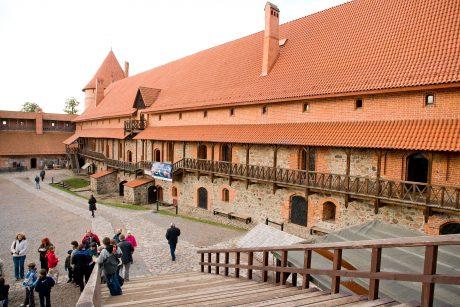 Trakų salos pilyje nuguls gotikos stiliaus kostiumai