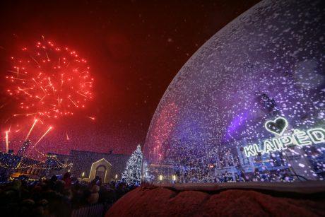 Eglių įžiebimo šventėje – magija ir sniegas