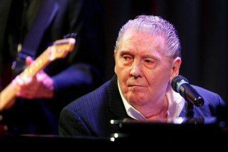 JAV rokenrolo veteranas J. L. Lewisas atšaukė koncertus