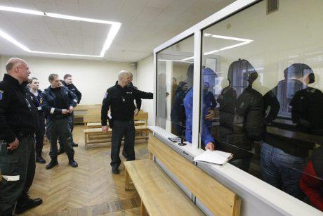 """Strasbūras """"agurkiniams"""" už per ilgą kalinimą priteisė po 6 tūkst. eurų"""