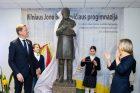 J. Basanavičiaus skulptūra padovanota progimnazijai
