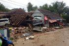 Indonezijai smogė cunamis