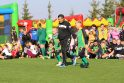 Trauka: O.Fedorčakas džiaugiasi, kad atnaujinus Vilkijos stadioną padaugėjo tiek norinčių žaisti futbolą berniukų, tiek mergaičių.