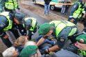 Prieš medžių pjovimą protestavusiems kauniečiams – baudos