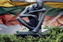 """Juozo Genevičiaus skulptūroje """"Kančia"""" sutalpinta nenusakomo masto tautos tragedija, persmelkta išdavysčių, intrigų, kankinimų."""
