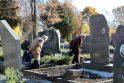 Nuostoliai: Lėbartų kapinėse kiekvienais metais dingsta gėlės, medeliai, kapaviečių papuošimai, borteliai ar net patys paminklai.