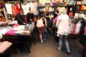 Prekybos centrą sostinėje apgulė nuogaliai