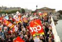 Prancūzai rengia antrą visuotinį streiką dėl pensinio amžiaus didinimo