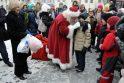 Adamkai išlydėjo Kalėdų karavaną (sužinok, ką jie dovanojo)