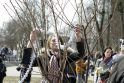Klaipėdos parama Kudži: popierinės gervės nutūpė ant sakūrų