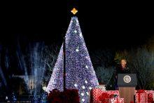 B. Obama paskutinį kartą įžiebė pagrindinę šalies Kalėdų eglę