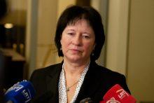 Vyriausybė ragina ministrę viešai atsakyti į klausimus apie vakarienę