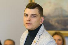 """R. Mackevičius: tėvams nebuvau """"dovanėlė"""" – ir rūkiau, ir nesimokiau"""