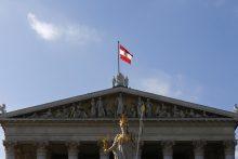 Austrijos parlamentas priėmė griežtą prieglobsčio suteikimo įstatymą