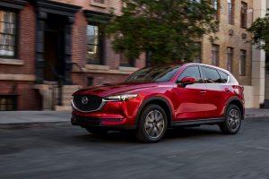 """Miesto visureigis """"Mazda CX-5"""" išsiskirs aristokratiška išvaizda"""