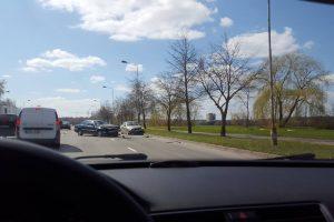 Jonavos gatvėje susidūrė du BMW automobiliai