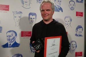 A. Stonio filmui – iškart du apdovanojimai