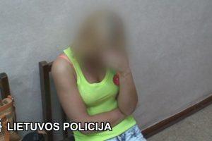 Naktiniuose klubuose – klestinti prostitucija