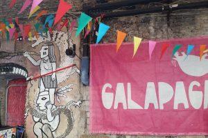 """Festivalio """"Galapagai"""" vartai atsivėrė: žmonės rinkosi iš vakaro"""