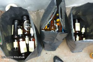 Romų tabore prekiaujama ir alkoholiu