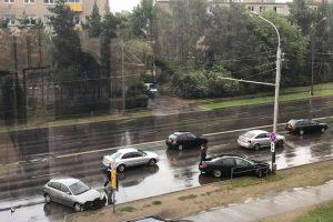 Vilijampolėje – net dvi smarkios avarijos