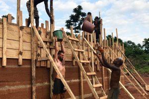 Prie mokyklos statybų Afrikoje prisidėjęs lietuvis: tai gali būti panaudota ir čia