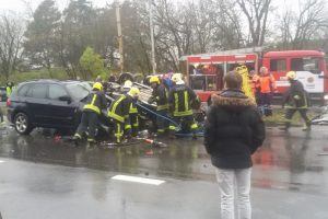 Kruvina automobilių kaktomuša Vilniuje: žuvo 20-metė mergina