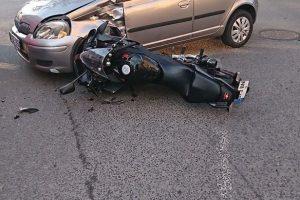 Avarija Klaipėdoje: motociklu važiavę žmonės išvežti į ligoninę