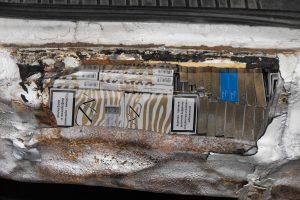 Baltarusis automobilio slėptuvėse gabeno pusantro tūkstančio pakelių rūkalų