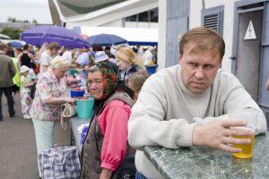 Baltarusija alkoholizmo problemą spręs panašiai kaip Lietuva