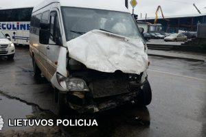 Vilniuje susidūrė autobusas ir mikroautobusas, nukentėjo šeši žmonės
