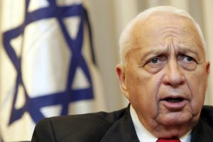 Už išžaginimą kalėjęs buvęs Izraelio prezidentas išeina į laisvę