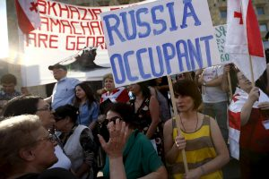 Tūkstančiai žmonių Tbilisyje protestavo prieš Rusijos veiksmus
