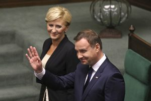 Politologai: naujasis Lenkijos prezidentas turėtų atsigręžti į Vidurio ir Rytų Europą