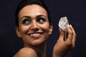 Didžiausias pasaulyje deimantas prieš parduodant bus supjaustytas?