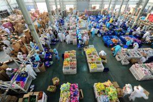Kinai per Vienišių dienos išpardavimus išleidžia milijardus dolerių