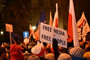 Lenkijos Seime – protestai prieš žiniasklaidos suvaržymus