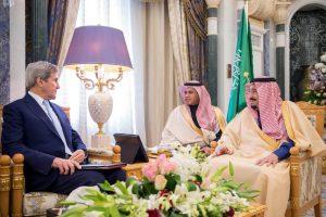 J. Kerry susitiko su Saudo Arabijos karaliumi