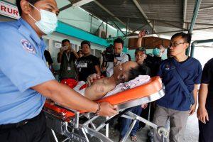 Indonezija ieško per gaisrą kelte dingusių žmonių