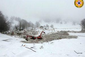 Italijos premjeras pripažįsta: į sniego griūtį sureaguota pavėluotai
