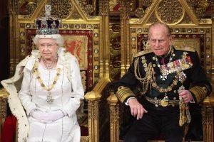 Princas Philipas atsisakys karališkųjų pareigų